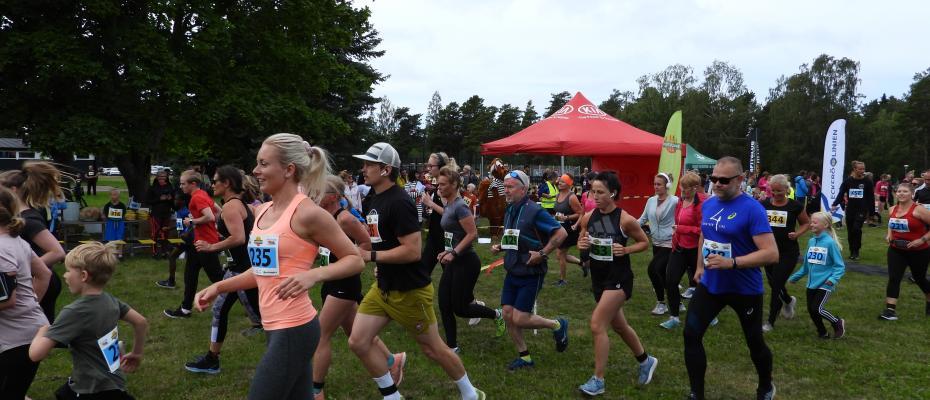 Löpare i Semesterloppet vid Käringsund Resort & Conference.